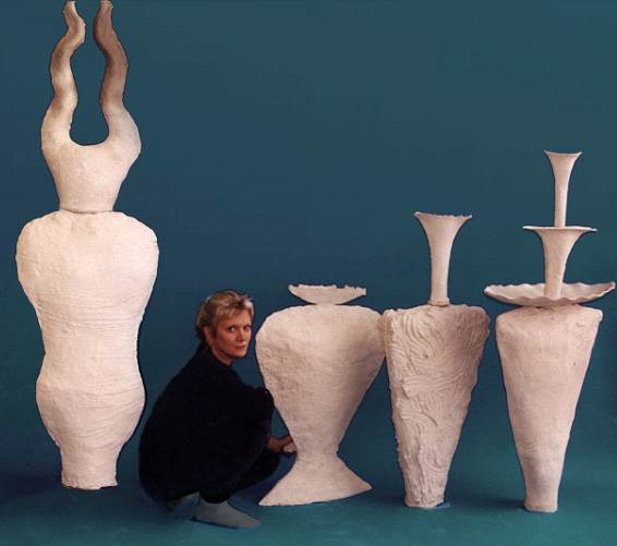 Rosette Gault (USA) Expertise: press mold large paper clay forms  Author of nine journal articles and three books on paper clay.  Patent holder for pclay / paper clay (US only).  Website: www.paperclayart.com